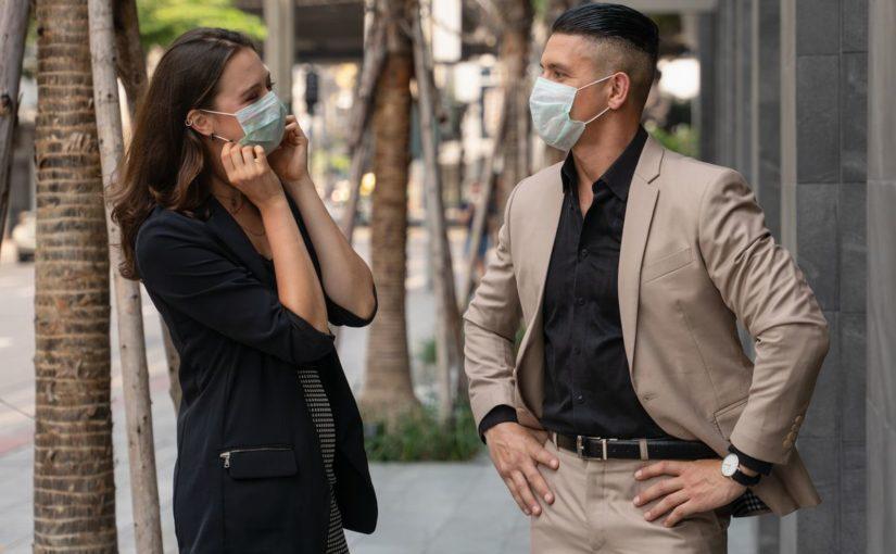 Come comunicare al meglio con la mascherina? Ecco le soluzioni per te!